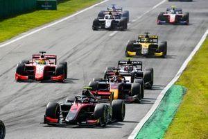 Callum Ilott, UNI-Virtuosi. Yuki Tsunoda, Carlin and Mick Schumacher, Prema Racing