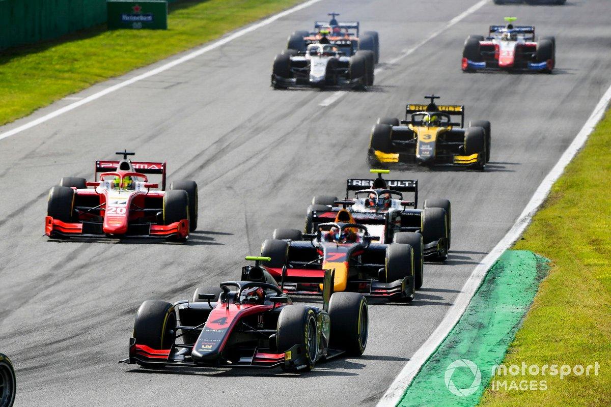 Callum Ilott, UNI-Virtuosi. Yuki Tsunoda, Carlin y Mick Schumacher, Prema Racing