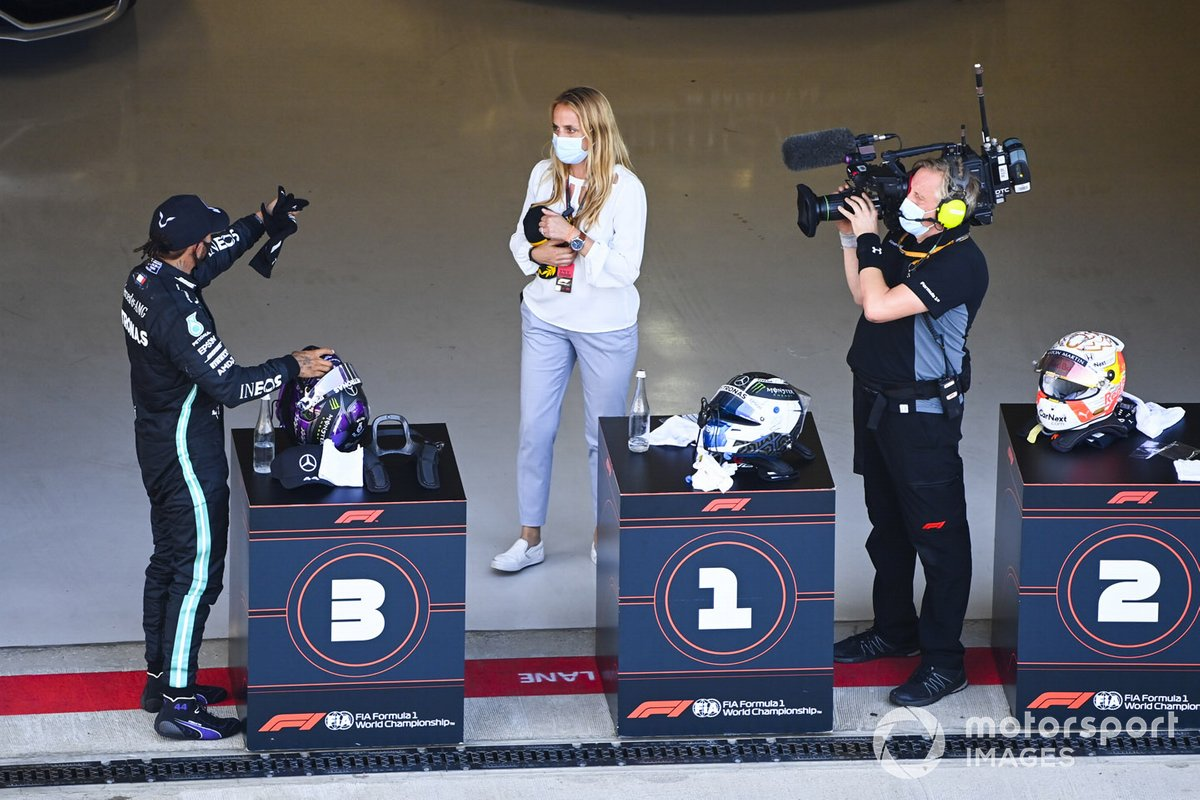 El tercer lugar Lewis Hamilton, Mercedes-AMG F1, en Parc Ferme