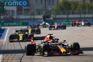 Max Verstappen, Red Bull Racing RB16, Esteban Ocon, Renault F1 Team R.S.20, and Daniel Ricciardo, Renault F1 Team R.S.20