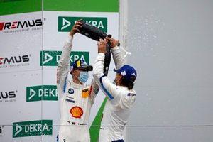 Podio: #42 BMW Team Schnitzer BMW M6 GT3: Augusto Farfus, Sheldon van der Linde