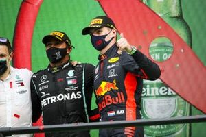 Race Winner Lewis Hamilton, Mercedes-AMG F1 and Max Verstappen, Red Bull Racing celebrate on the podium