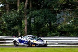 #58 HHC Motorsport McLaren 570S GT4: Jordan Collard, Patrik Matthiesen
