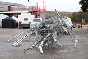 La valla después del accidente en el Super Trofeo Race