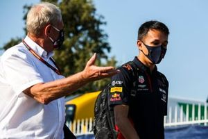 Helmut Marko, asesor de Red Bull Racing y Alex Albon, Red Bull Racing