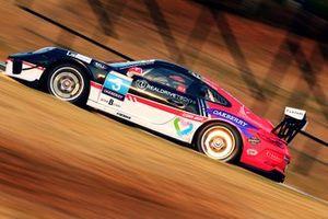 Carro de Nelsinho Piquet e Fran Lara
