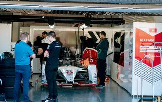 Mechanics work on Neel Jani's, Tag Heuer Porsche, Porsche 99x Electric