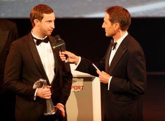 TGR Technical Director Tom Fowler con il Rally Car of the Year award vinto dalla Toyota Yaris WRC