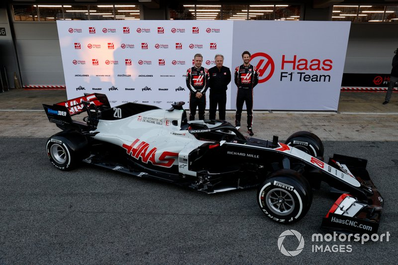 Kevin Magnussen, Haas F1 Team and Romain Grosjean, Haas F1 Team, with Gene Haas, Owner and Founder, Haas F1 Team