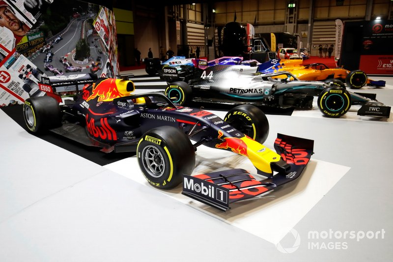 A Red Bull Racing RB15 on the F1 Racing stand