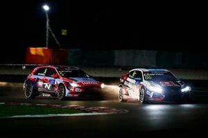 Эстебан Герьери, ALL-INKL.COM Münnich Motorsport, Honda Civic Type R TCR (FK8), и Норберт Михелис, BRC Hyundai N Squadra Corse, Hyundai i30 N TCR