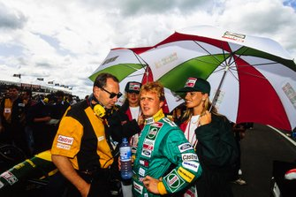 Johnny Herbert, Lotus, sur la grille