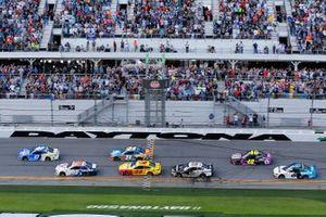 Start zum Daytona 500: Ricky Stenhouse Jr., JTG Daugherty Racing, Chevrolet Camaro Kroger, führt