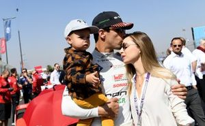 Lucas Di Grassi, Audi Sport ABT Schaeffler, mit Ehefrau Bianca und Sohn Leonardo