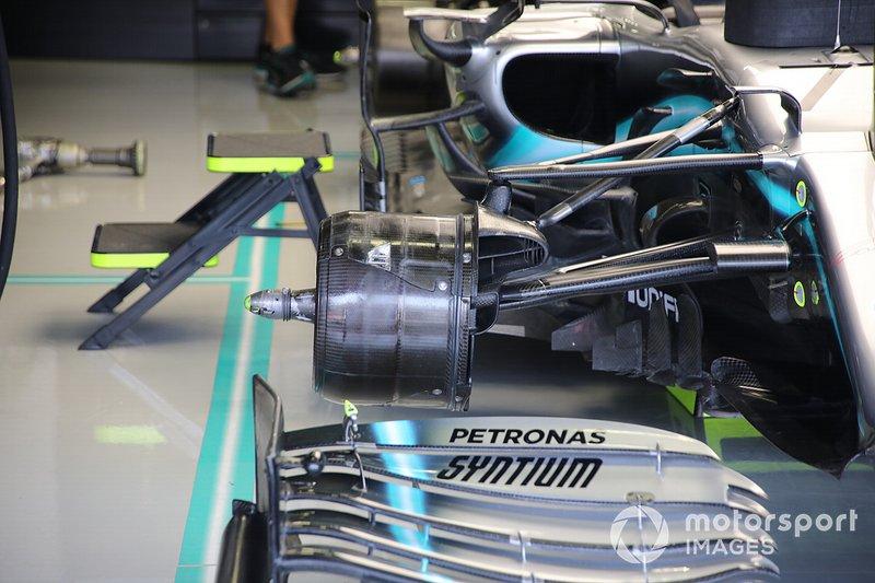 Тормоза Mercedes AMG F1 W10