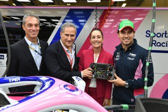 Alejandro Soberón Kuri, CEO of CIE (2nd L), Claudia Sheinbaum the Mayor of Mexico City and Sergio Perez, Racing Point