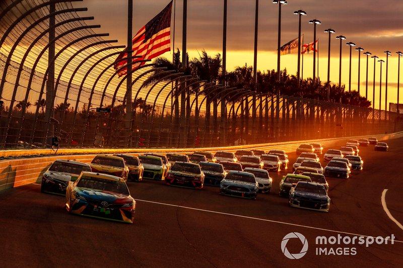 La NASCAR iba a disputar las carreras de Atlanta y Homestead a puerta cerrada, quinta y sexta cita de su 2020, pero finalmente decidió posponerlas ante la creciente crisis mundial.