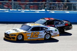 Brad Keselowski, Team Penske, Ford Mustang XPEL and Jeremy Clements, Jeremy Clements Racing, Chevrolet Camaro Repairables.com