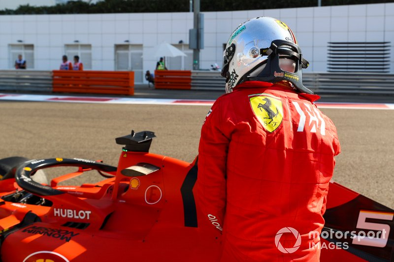 Sebastian Vettel, Ferrari, sufre un accidente en la FP1 de Abu Dhabi