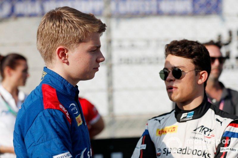 Campione F2 Nyck De Vries, ART Grand Prix, e il campione F3 Robert Shwartzman, Prema Racing