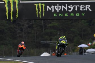 Valentino Rossi, Yamaha Factory Racing, Pol Espargaro, Red Bull KTM Factory Racing