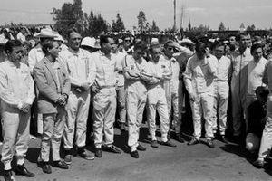 Moses Solana, Innes Ireland, Dan Gurney, Jack Brabham, Jo Siffert, Richie Ginther, Peter Arundell, Ronnie Bucknum, Bruce McLaren, Joakim Bonnier, Pedro Rodriguez