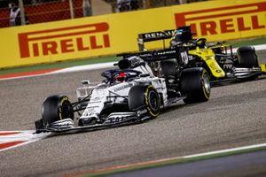 Daniil Kvyat, AlphaTauri AT01, Daniel Ricciardo, Renault F1 Team R.S.20