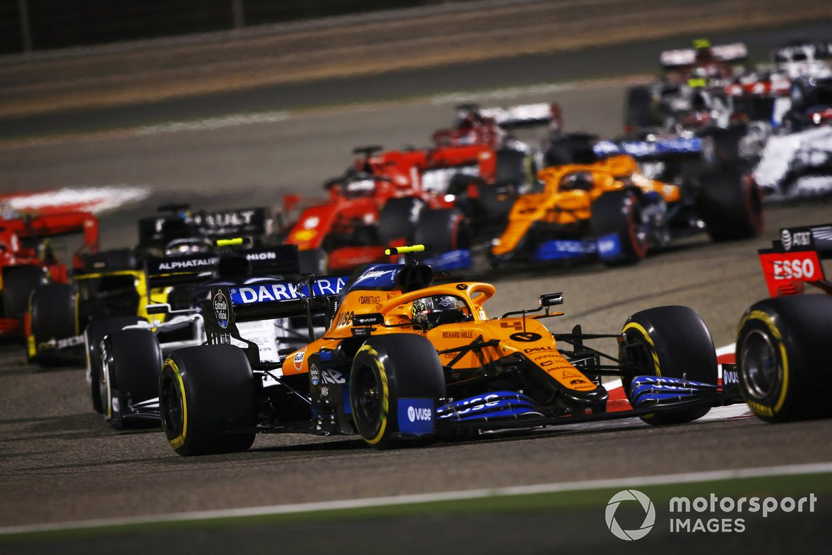 Lando Norris, McLaren MCL35, Pierre Gasly, AlphaTauri AT01