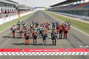 Gruppenfoto: Alle Piloten für die Moto3-Saison 2021