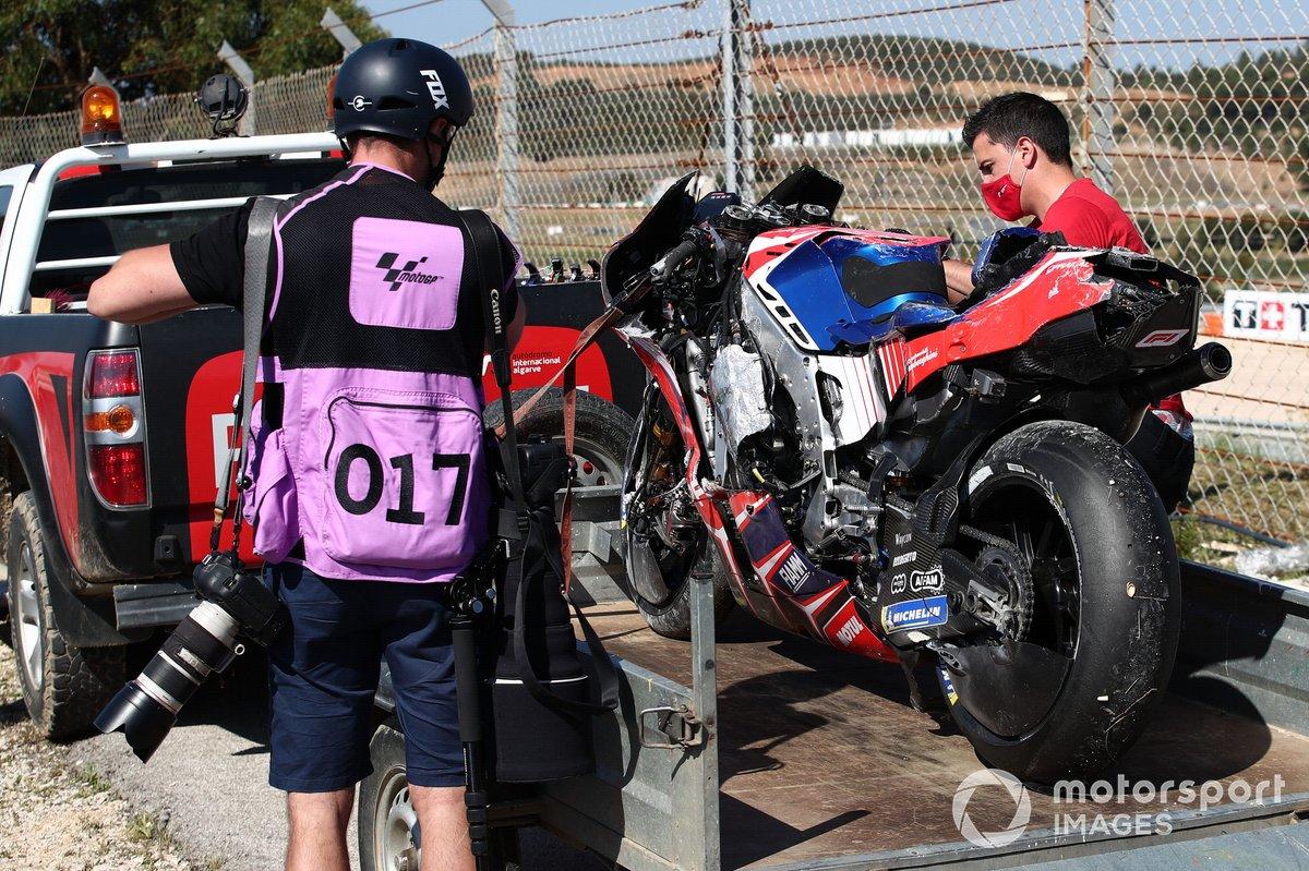 La moto de Jorge Martin, Pramac Racing, tras la caída