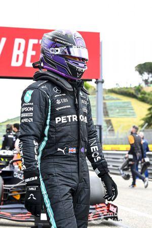 Pole Sitter Lewis Hamilton, Mercedes in Parc Ferme