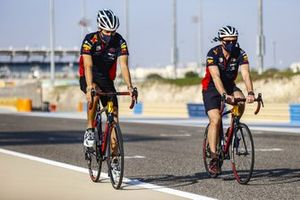 Alex Albon, Red Bull Racing, cycles the track