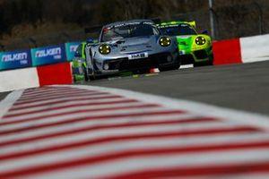 #33 Rutronik Racing Porsche 911 GT3 R: Tobias Müller, Tristan Viidas