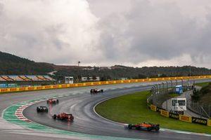 Kimi Raikkonen, Alfa Romeo Racing C39, Daniil Kvyat, AlphaTauri AT01, Pierre Gasly, AlphaTauri AT01, Charles Leclerc, Ferrari SF1000, en Lando Norris, McLaren MCL35
