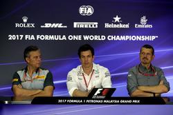 Mario Isola, Pirelli-Motorsportchef, Toto Wolff, Mercedes-Motorsportchef, Günther Steiner, Haas-Team