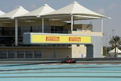 Kimi Raikkonen, Ferrari test de brede banden van Pirelli voor 2017