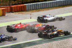 Felipe Massa, Williams FW40, Kimi Raikkonen, Ferrari SF70H, Max Verstappen, Red Bull Racing RB13, Jo