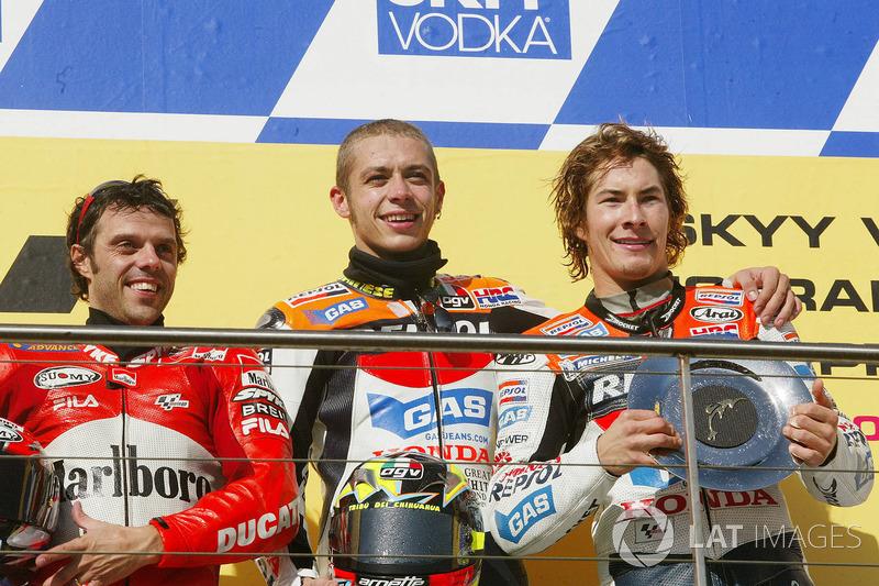Podio: 1º Valentino Rossi, Repsol Honda Team, segunda plaza Loris Capirossi, Ducati Team, tercera plaza Nicky Hayden, Repsol Honda Team