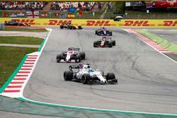 Felipe Massa, Williams FW40; Esteban Ocon, Sahara Force India F1 VJM10; Kevin Magnussen, Haas F1 Tea