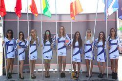 Sebring grid girls
