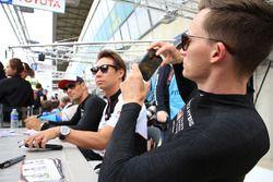 Mike Conway, Kamui Kobayashi, Stéphane Sarrazin, Toyota Gazoo Racing