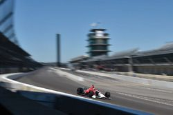 Ориоль Сервия тестирует машину Honda IndyCar 2018 года