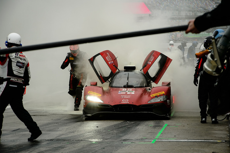 #55 Mazda Motorsports Mazda DPi: Jonathan Bomarito, Tristan Nunez, Spencer Pigot, on fire in the pits