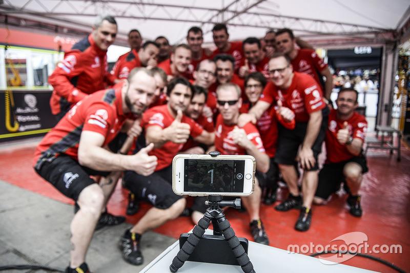 Citroën World Rally Team members take a photo