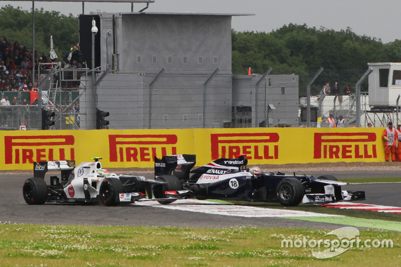 Авария: Серхио Перес, Sauber C31, и Пастор Мальдонадо, Williams FW34