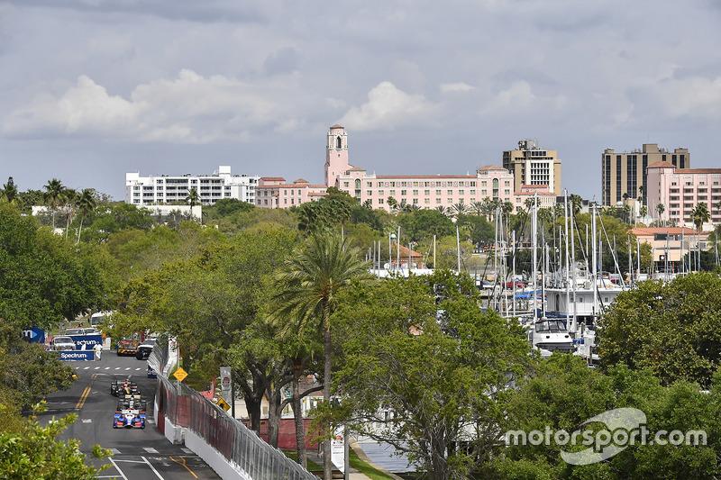 Takuma Sato, Andretti Autosport Honda, J.R. Hildebrand, Ed Carpenter Racing Chevrolet