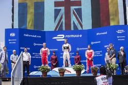 Podio: ganador Sam Bird, DS Virgin Racing, segundo lugar Felix Rosenqvist, Mahindra Racing,y tercer