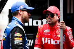 Dale Earnhardt Jr., JR Motorsports Chevrolet and Michael Annett, JR Motorsports Chevrolet
