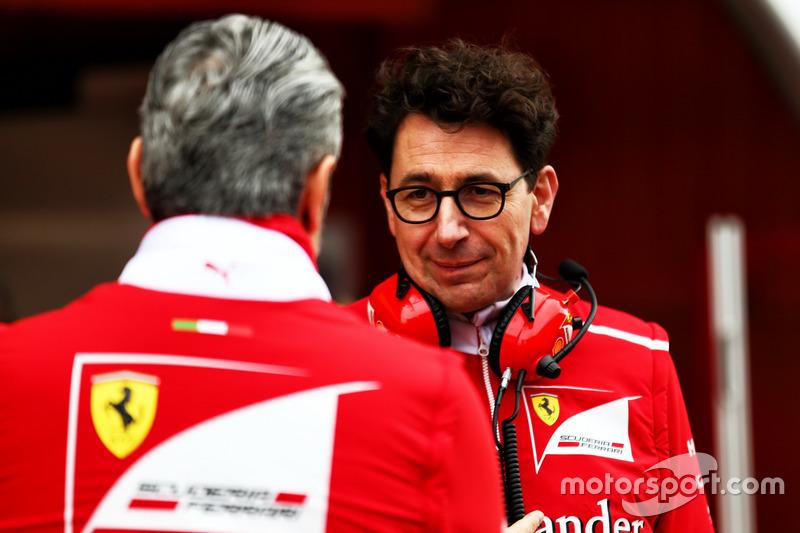 """Der neue Chef: Unter Maurizio Arrivabene herrschten bei Ferrari keine klaren Verhältnisse. Insbesondere nicht nach dem Tod des """"starken Mannes"""" Sergio Marchionne. Es brach italienisches Chaos aus. Mattia Binotto ist zwar auch Italiener - aber ein kühler Analytiker, der Vettel als erklärte Nummer 1 in die Saison schickt."""