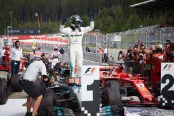 Race winnaar Valtteri Bottas, Mercedes AMG F1